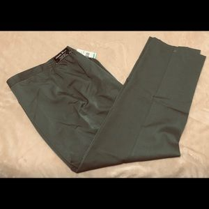 Pants - NWT Green slacks by Alfred Dunner size 16